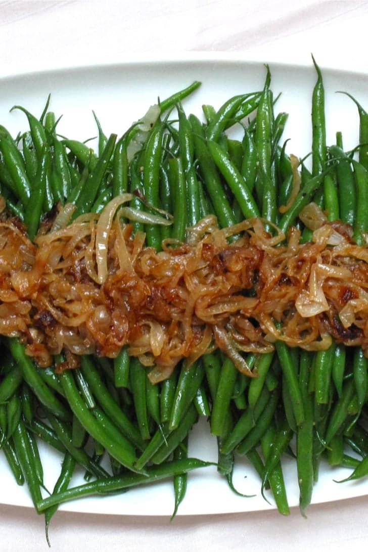 Easy Thanksgiving Side: Green Beans With Caramelized Onions