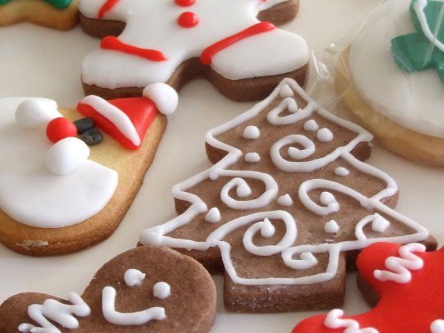 BISCOTTI DI NATALE parte quarta Quando il Natale si avvicina viene voglia di fare qualche biscotto per accogliere i vicini, per farne piccoli doni. I coquinari hanno dato vita ad una raccolta amplissima di ricette, che spaziano dalle tradizioni locali a quelle più propriamente familiari. Da qui è nato un pdf talmente ampio che è...