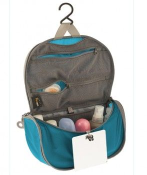 Travelling Light HANGING TOILETRY BAGS