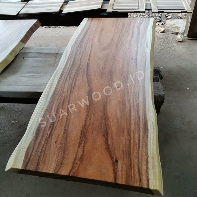 Finished Live Edge Suar Wood Dining Top Table Furnitures