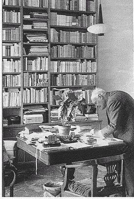 ECLETTICAE - Il Poeta senza Nobel: Ungaretti nel suo studio