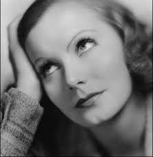 Inspiración: Greta Garbo.  Como todxs, hasta el mismísimo Mr. Bowie tomamos como referente a Otrxs que admiramos para seguir adelante y nos dan fuerza.