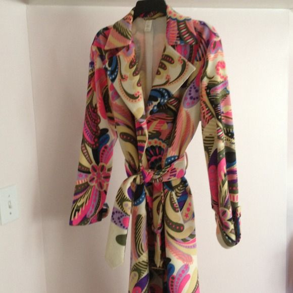 Versace coat Perfect condition 85 percent wool 15 cashmere Versace Jackets & Coats