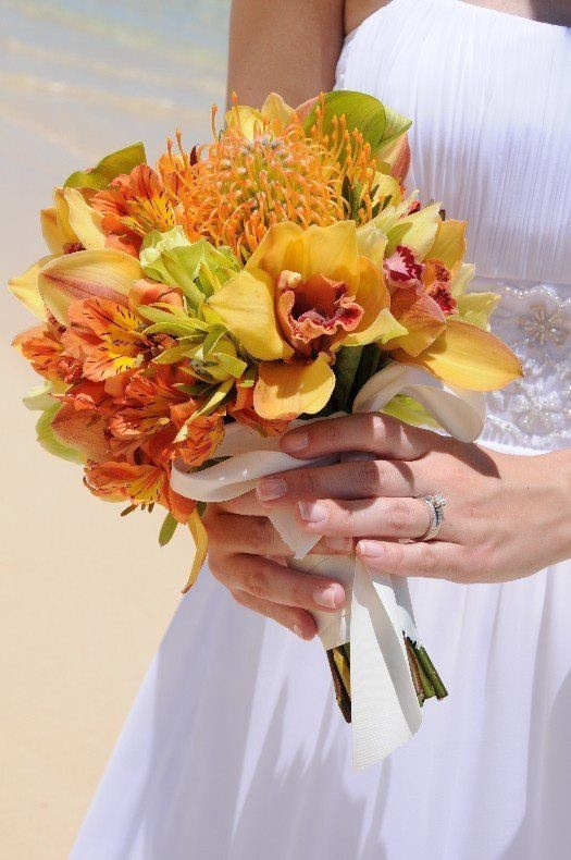 wedding flowers hawaii 27 best images about hawaiian wedding bouquets on 9589