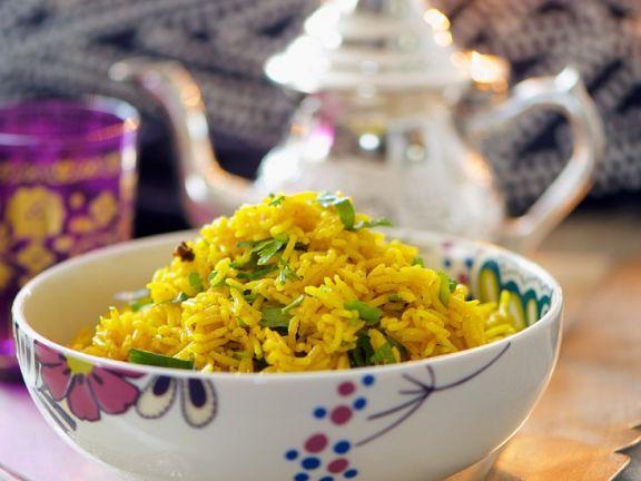 Orientalischer Pilaw-Reis ist ein Rezept mit frischen Zutaten aus der Kategorie Reis. Probieren Sie dieses und weitere Rezepte von EAT SMARTER!