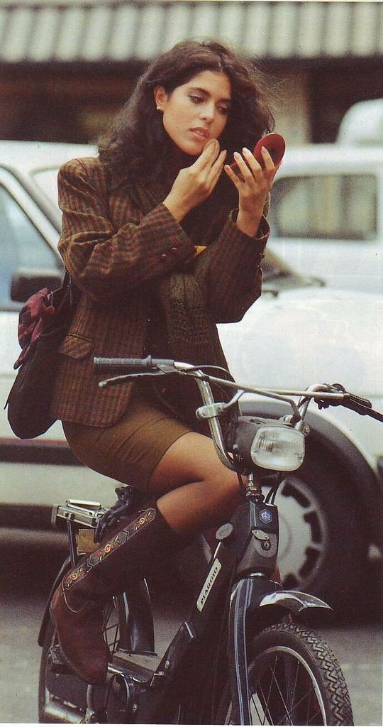 vintage everyday: Vintage Photos of Girls in Mini Skirts on Bikes