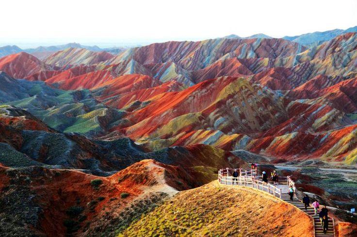 Conoce la Ausangate, la majestuosa montaña de los siete colores en Perú - IntiNetwork