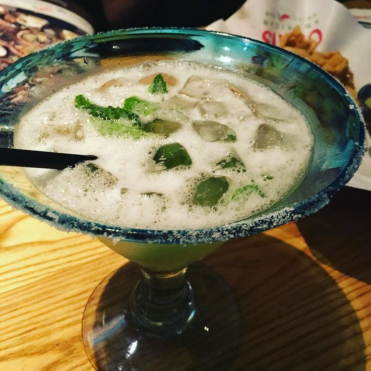 "Todays #margaritaoftheday Reposting @eatingmywayacross: ... "" the lemmint margarita. 4 of us went nuts over these @chilis. A must try if you are fond of margaritas. Cheers! #margarita #drinks #drunk #mint #foodie #tipsy"""
