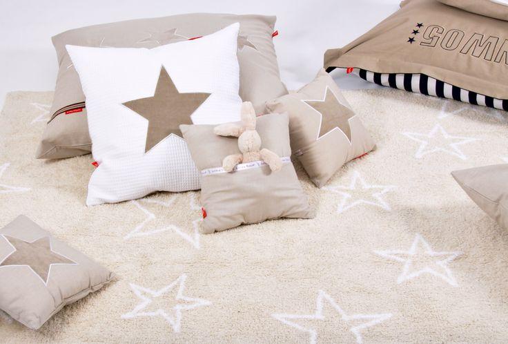 Dywan dla dzieci do prania w pralce Estrellas beżowy w gwiazdy LORENA CANALS