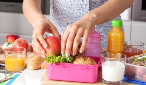 School lunches, how I loathe thee! Let me count the ways...What if I told you that there was a way to get out of packingschool lunches once and for all? There is, but there's a snag: you'll have to move to Boston.