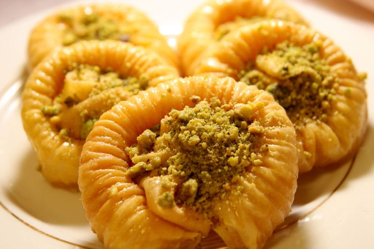 Swar Sit Baklava   -   Image Only  Filo dough with crushed pistashio topping