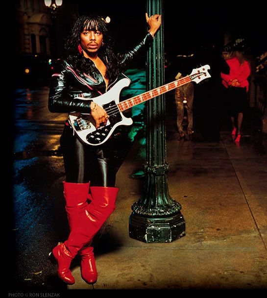 Rick James - Live in Long Beach (1981). Rick's energy on stage >>> Red Bull + coffee. Get funked up!