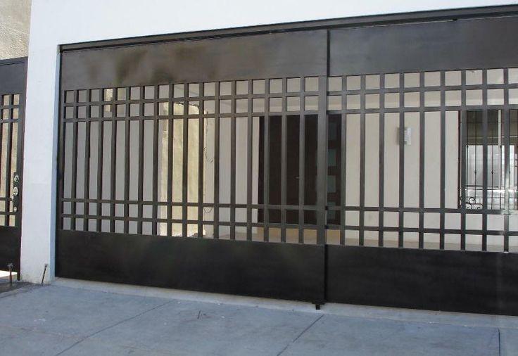 Pin de lili rpri en fachadas pinterest rejas herreria for Portones de hierro para garage