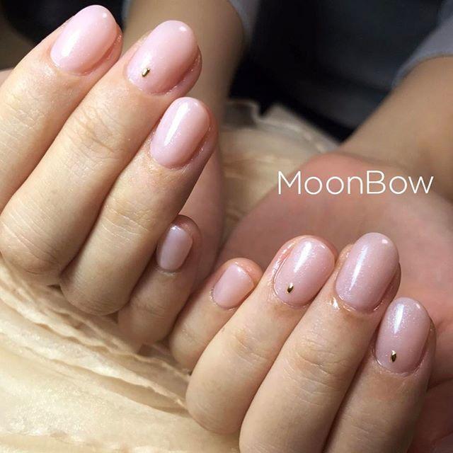 やわらかなピンクベージュ💖 ほんのりパールがかっていてお上品✨ one color ♡ natural beauty  Please take a look my other nails 💕💅✨ * #ワンカラー #ヌーディカラー #スキンカラー #お上品ネイル #ピンクベージュ #オフィスネイル #シンプルネイル #シンプルコーデ #ショートネイル #手元くら部 #大人可愛い #自爪 #就活ネイル #春ネイル #今日のコーデ #長持ちネイル #セルフネイル #サロンモデル #ファッション #お洒落 #オトナ女子 #ヘルシー #つやつや #つるん #ゆで卵  #maogel  #maogel導入サロン#maogel導入サロン名古屋