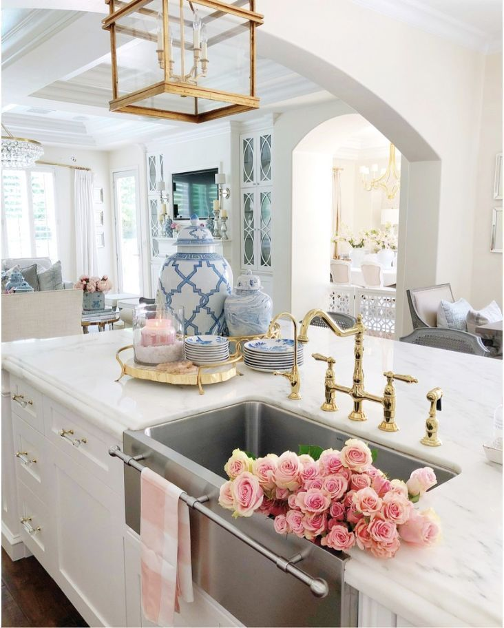 Gorgeous Gold Sink Taps For The Kitchen And Bathroom Perfect Interior Design Addition And Modern Interior Design Kitchen Kitchen Inspirations Kitchen Design