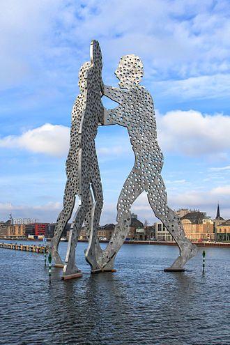 Molecule Man (sculpture) - Berlin. Jonathan Borofsky