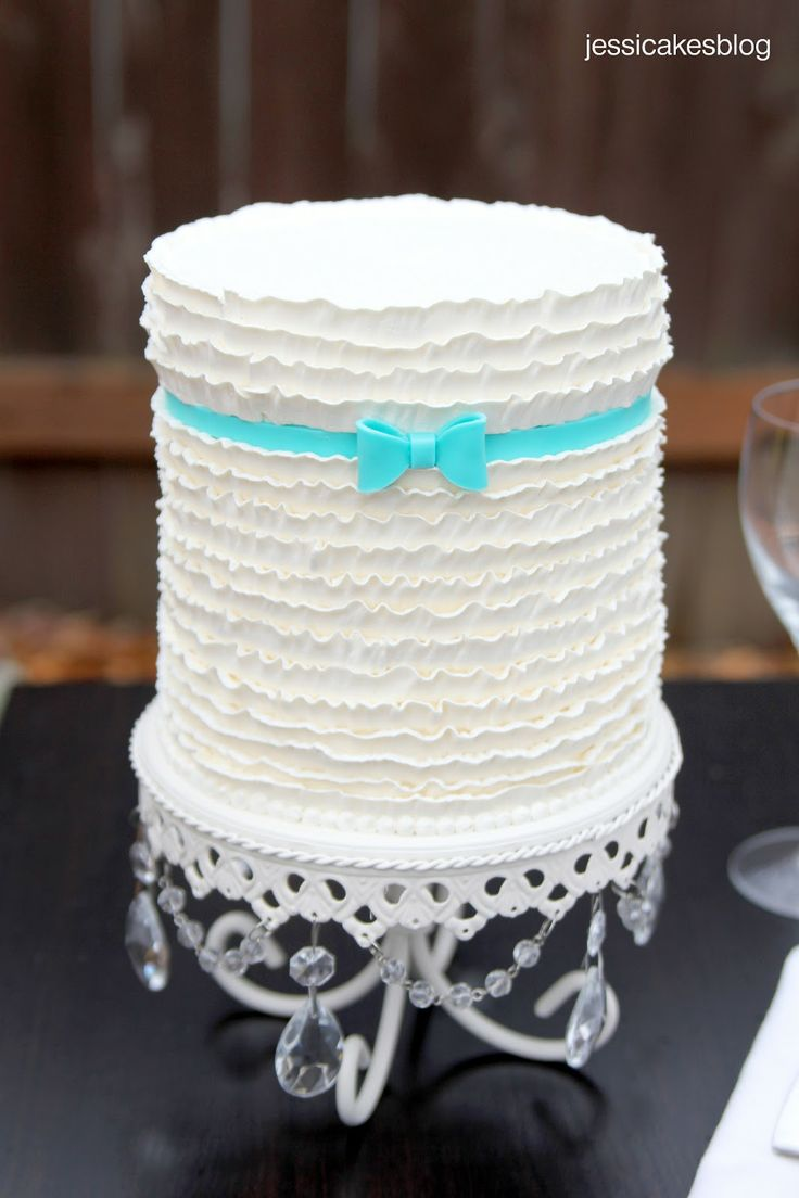 1000+ ideas about Buttercream Ruffle Cake on Pinterest ...