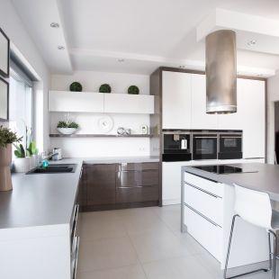Laminert kjøkken Type: W Farge: hvit + 155 høyglans