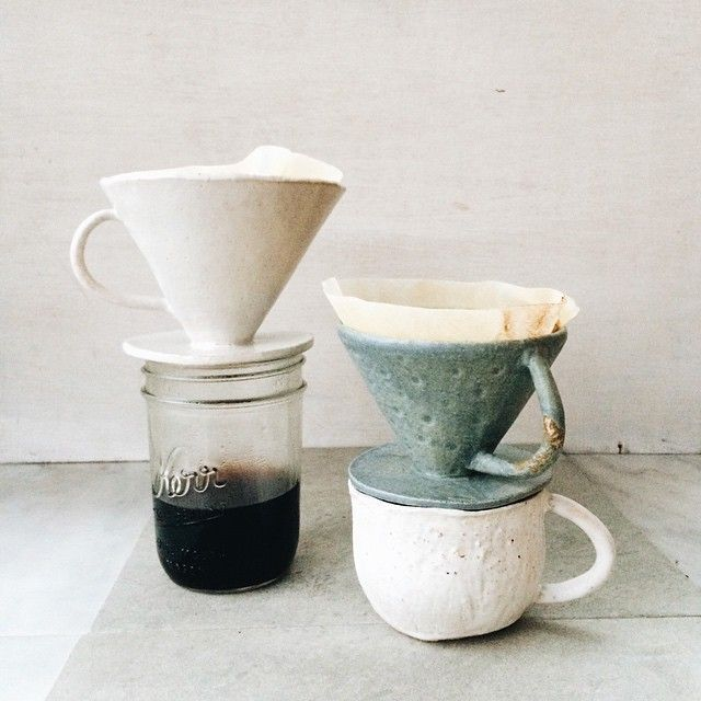 I can't get over how cute these coffee drippers are! ☕️Thanks, @kchossack_pottery