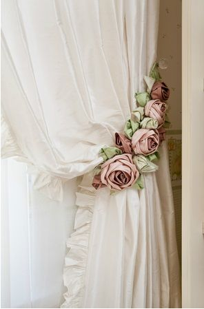 White curtains with flowers hanger |ArchitectureDecorFlowers…