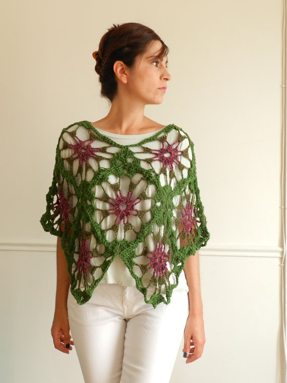 Floating in the mist Bohemian poncho capelet by ceibohandmade, €75.00