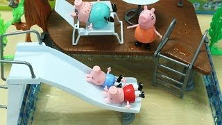 One more funny story about Peppa pig and her family, this time they build a swimming pool and have great fun with it. This is the entertainment video for children, kids and toddlers.  Other kids videos and toys for children from Votra KidsTV:  Kids play water slide in swimming pool  https://www.youtube.com/watch?v=zite8qX-khM  Kids Video - Peppa Pig Building Park  https://www.youtube.com/watch?v=BWu-CRP0mP0  Balloons for Kids Learning Colors Fun Fun…