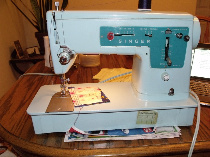 19 best images about vintage sewing machines on pinterest machine a a child and graduation. Black Bedroom Furniture Sets. Home Design Ideas