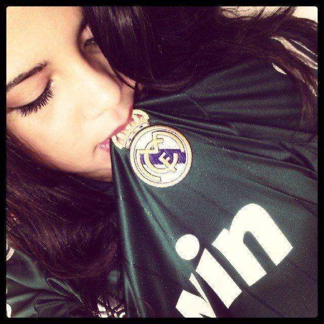 realmadridistagirls: CHAMPIONS LEAGUE TONIGHT HALA REAL MADRID!