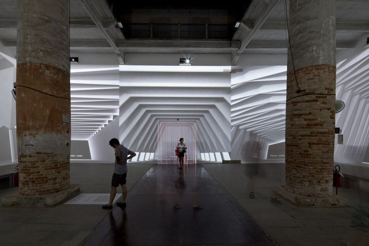 Projections look like illuminated spaces: Venice Biennale 2012: Architecture and its Affects / Farshid Moussavi