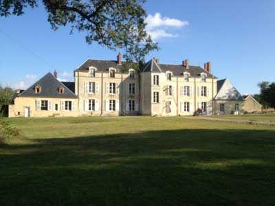 Château à vendre avec chambres d'hôtes dans le Cher, proche Vierzon