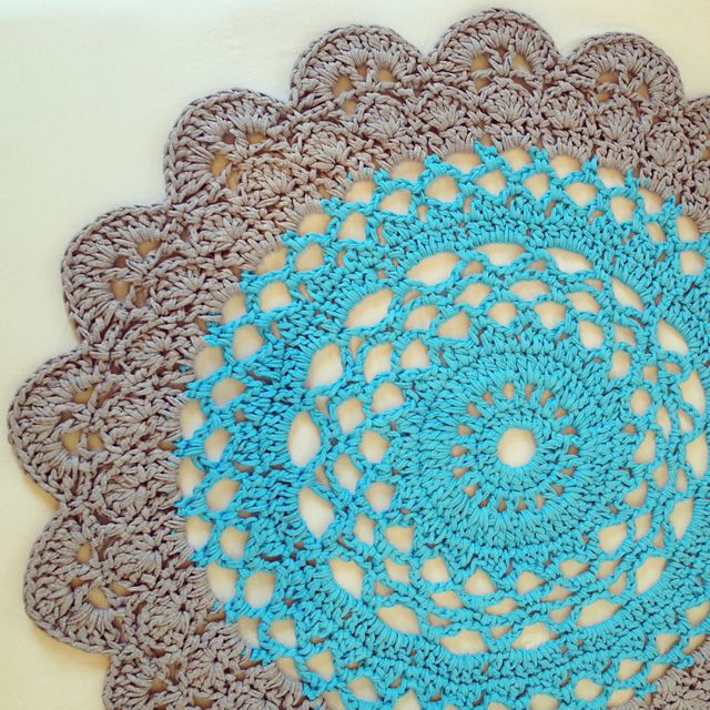 Crocheted Giant Doily Rug - two colour version of this free pattern here: http://www.creativejewishmom.com/2013/04/giant-crocheted-doily-rug-pattern.html