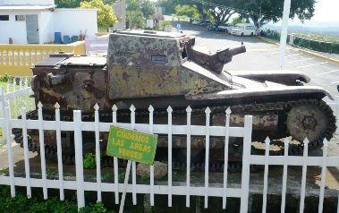 Mini tanque presente de Mussolini a Anastacio Somoza - Manágua - Nicarágua - Viagem com Sabor Foto 3
