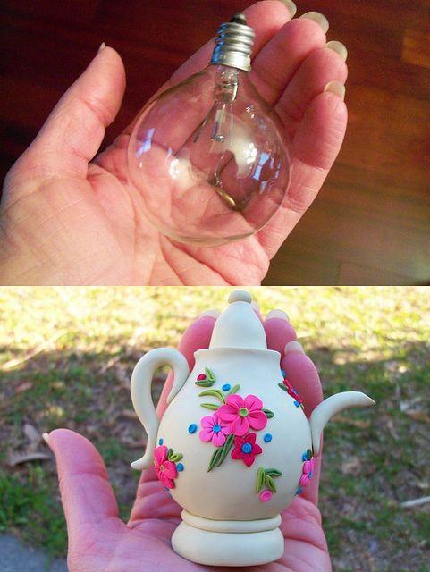 recycle a light bulb into a teapot, Porcelana fria, pasta francesa, masa flexible, fimo, polymer clay, porcelain froid, modelado, figurine