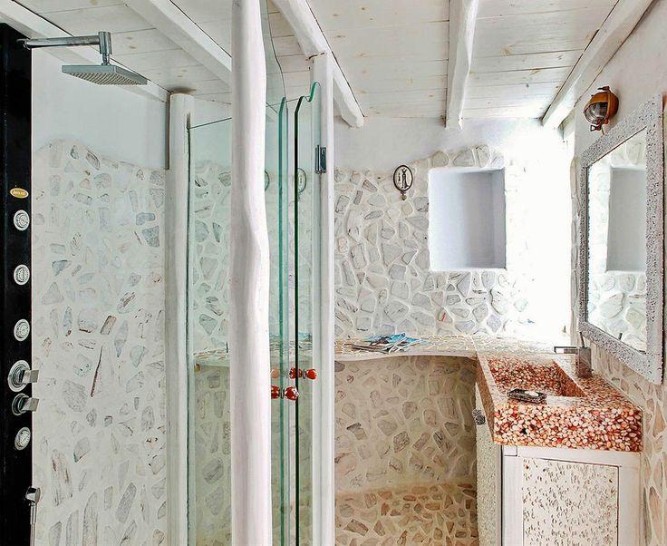 Castor villa bathroom
