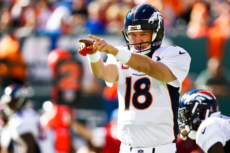 Vegas says Peyton Manning will break Brett Favre's record on Sunday night | The 4519 – NFL News, Fantasy Football, Football Scores