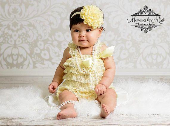 Baby pagliaccetti pagliaccetto luce giallo pizzo di HappyBOWtique