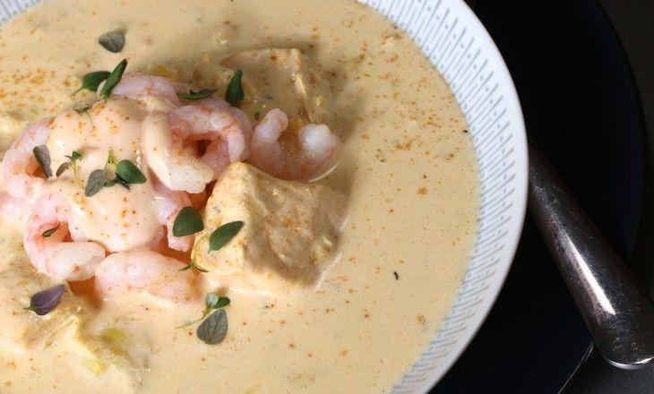 I receptsamlingen behöver man minst en god, snabb och enkel bas till fisksoppa och fiskgryta. Basen ska vara lätt att få god. Valet av fisk och skaldjur får