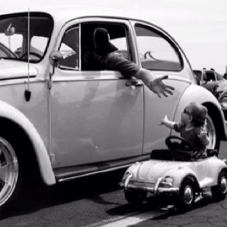 OH I LOVE IT!!Minis Beetles, Vdub Pictures, Bugs Cars, Big Beetles, Vw Bugs, Retro Vdub, Classic Vdub, Minis Bugs, Fathers Sons