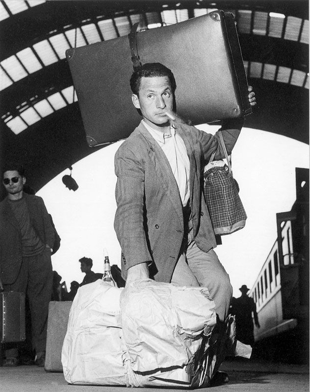 Migrants from South Italy with his bags