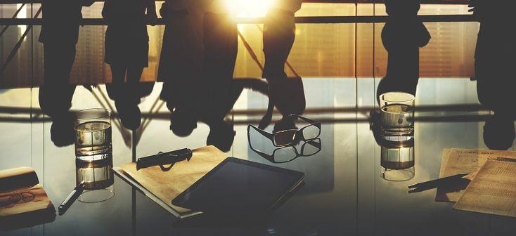 Cementificare i rapporti nei gruppi di lavoro è essenziale. I meeting aziendali sono occasioni per stringere ed affinare le relazioni di scambio tra colleghi.