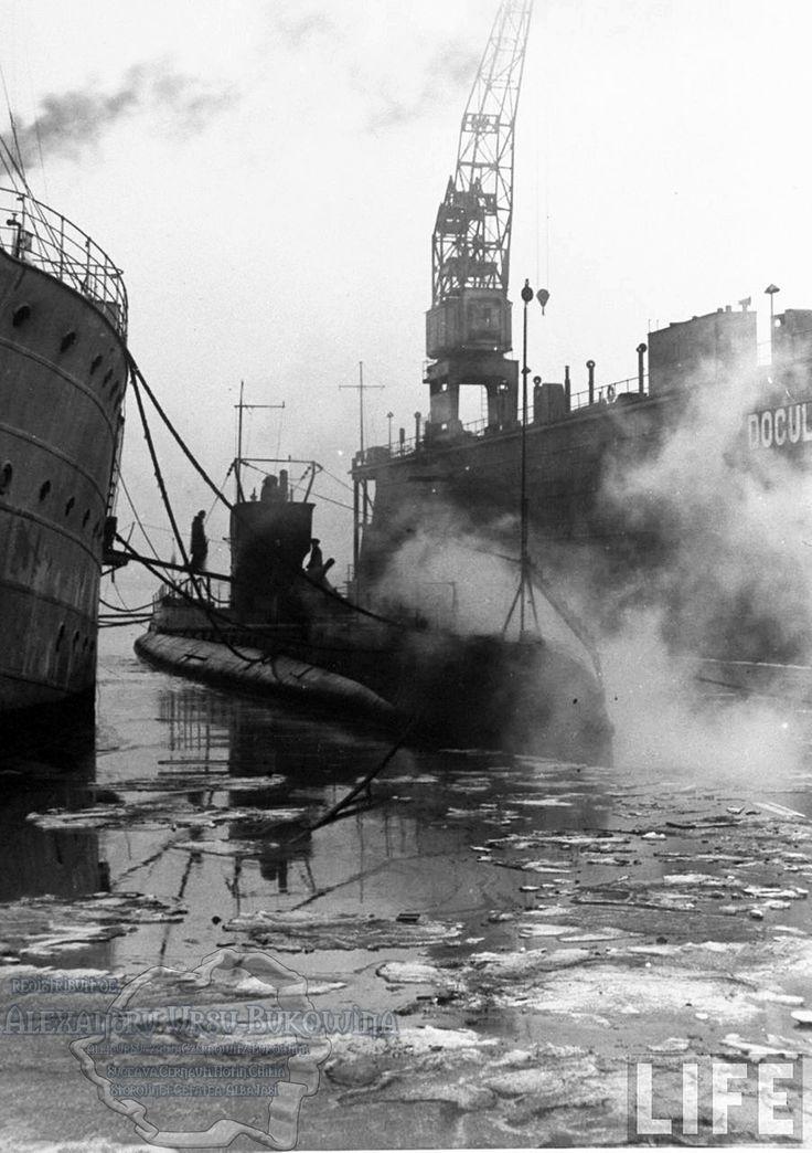 66.Rumanian submarine (C) tied up at dock in Constanţa Harbour.
