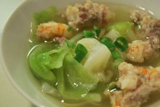 Canh Bap Cai Tom Thit – Cabbage Soup