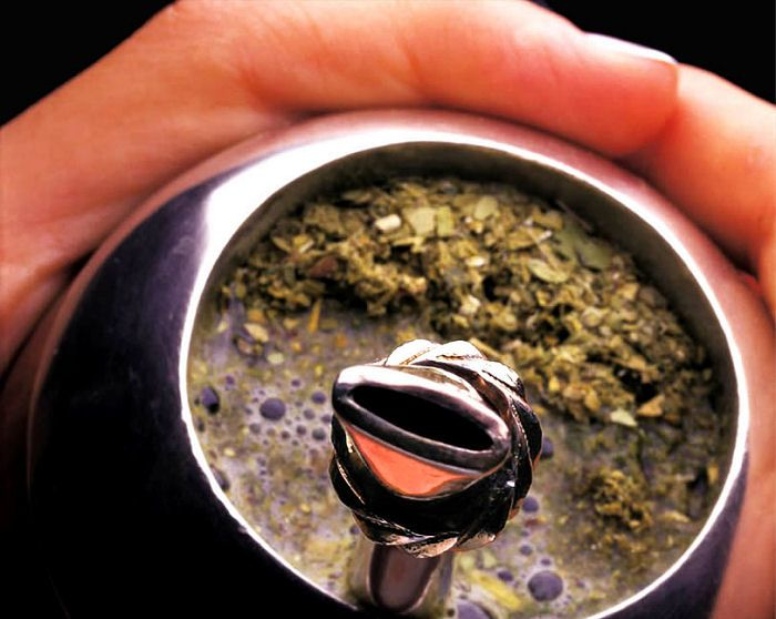 http://rosanamodugno.hubpages.com/hub/What-is-Yerba-Mate-and-Why-You-Should-Get-Some