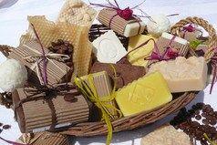 Délices de savons - Brigitte Maier https://paysdeshurtieres.wordpress.com/2014/12/08/portes-ouvertes-chez-delices-de-savons-mercredi-10-decembre-apres-midi/