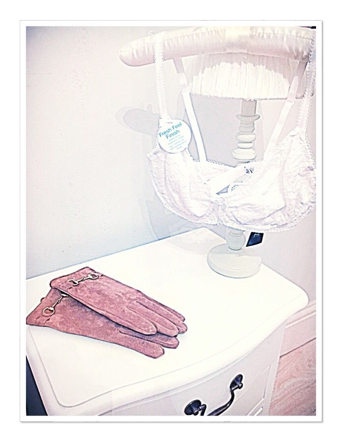 #florenceandfred specials! #newbra #white #lace #intimates #skivvys #underwear #pretty #suede #camel #gloves #accessories #accessorize #tesco #fandf #clothing #fblogger #fashionfinds #fashion #fashionista #stylist #personalstyle #personalshopper #professionalshopper #pearlsandvagabonds