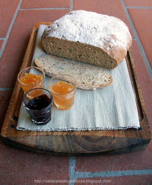rye flour bread / pane di segale