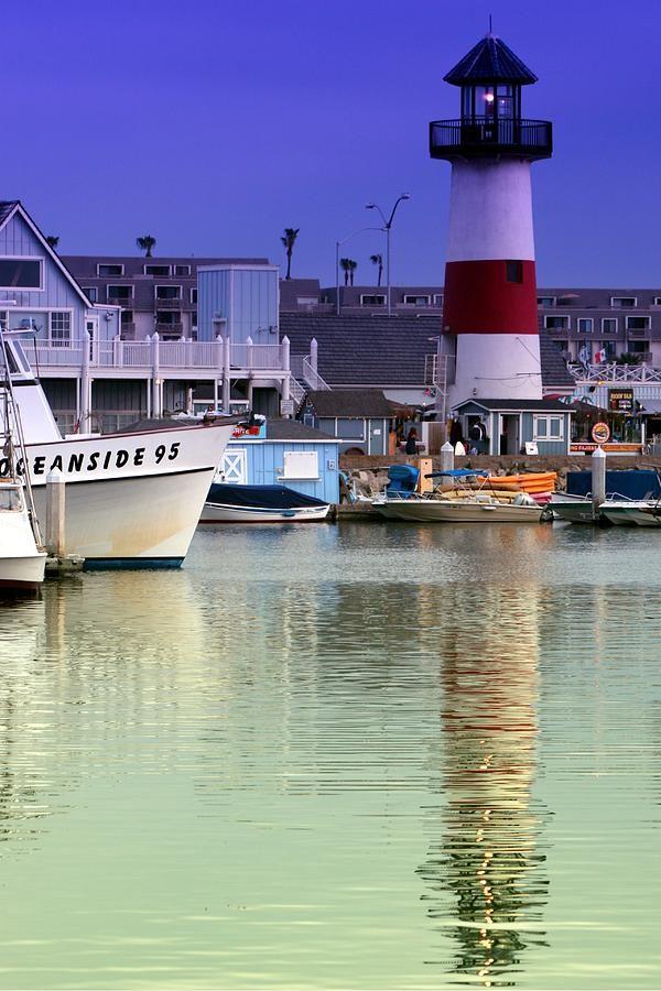 ✮ Harbor Lighthouse - Oceanside, California.