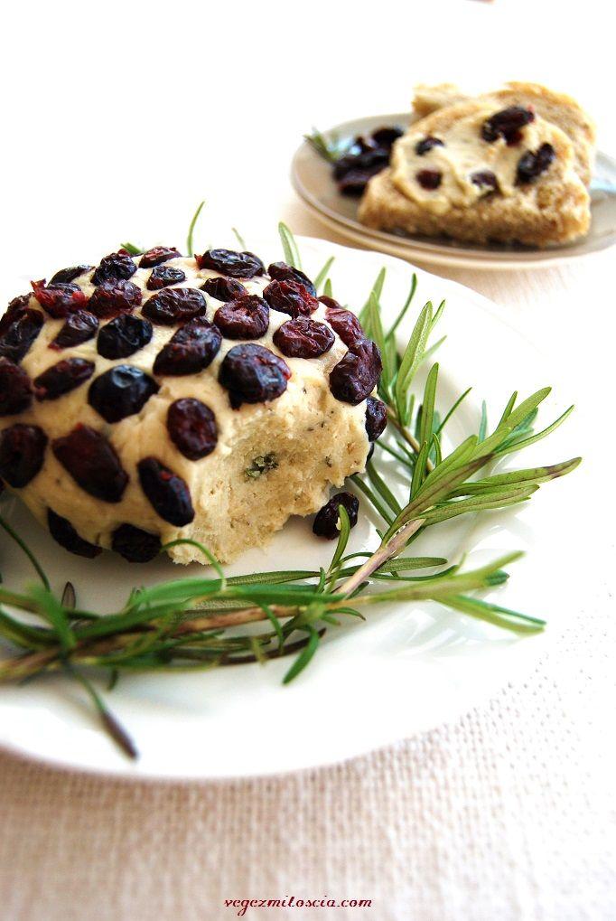 Cashew cheese with thyme and cranberry | vegan | vegezmiloscia.com