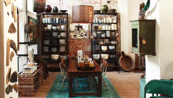 Allemaal hergebruikte meubels e.d.. Amsterdam, heeft ook websinke