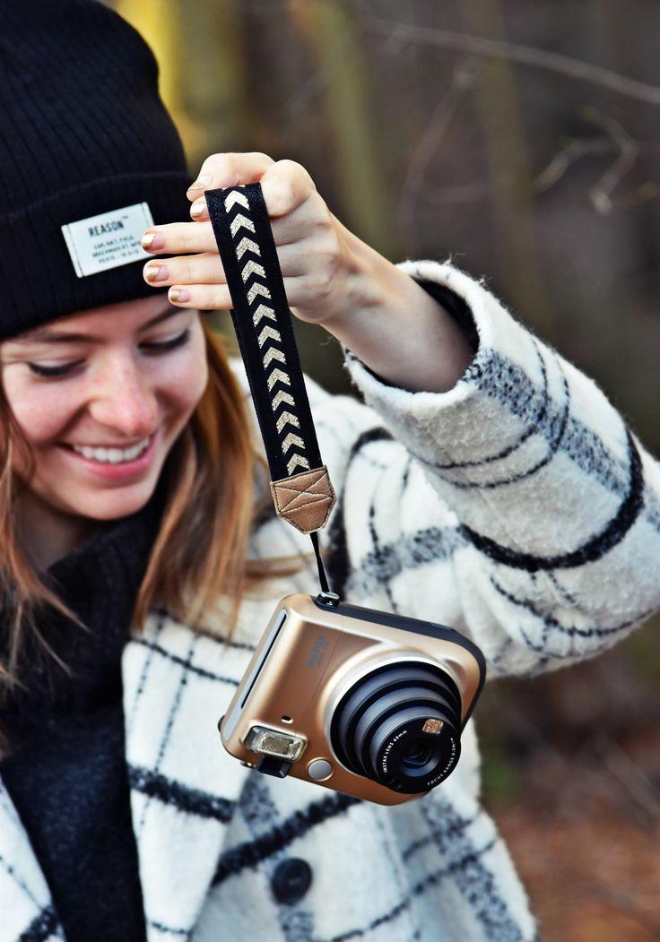 DIY Anleitung - Free Tutorial | Eine Kamera Handschlaufe selber nähen | Instax Mini Kameraband #instaxyourlife | luzia pimpinella {Posting enthält Werbung}